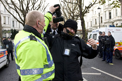 Don't argue with police as a photographer
